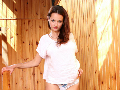 Leggy brunette Nubile Vally